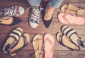 Najmodniejsze klapki na lato - możesz je mieć za bardzo przystępną cenę