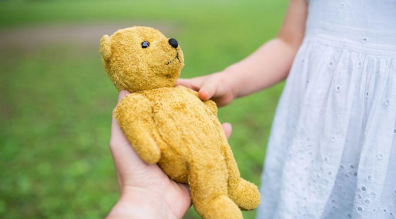 Nagradzanie dziecka prezentami za oczekiwane zachowanie nie jest dobrym rozwiązaniem