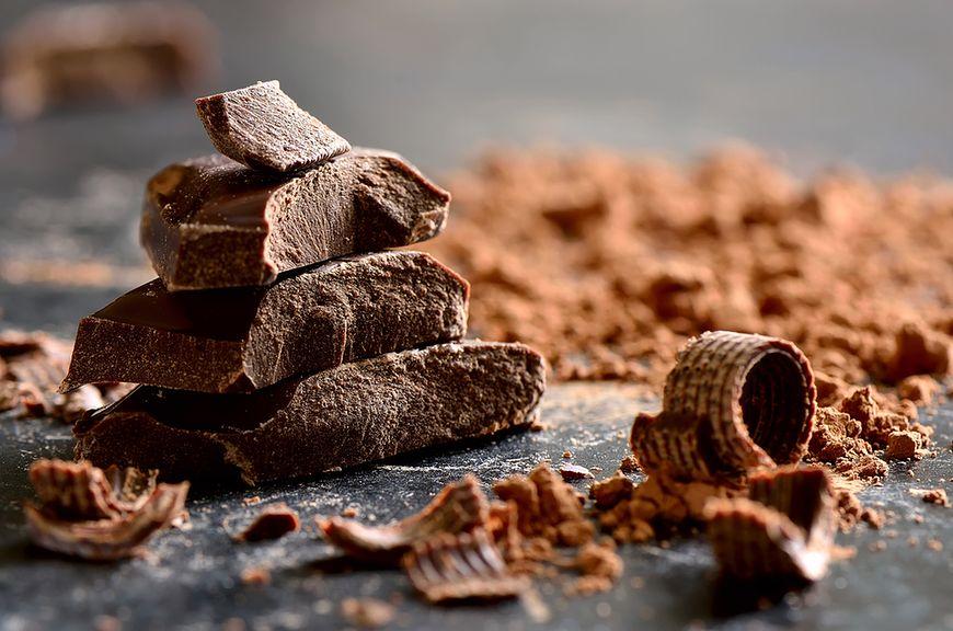 Jedzenie czekolady
