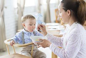 Fotel do karmienia - niezbędny, kiedy w domu pojawi się dziecko
