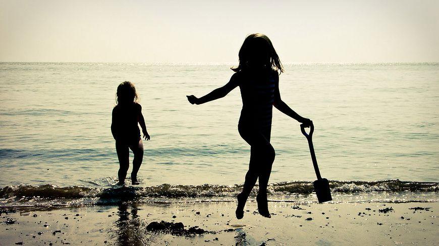Bezpieczna kąpiel w morzu - niebezpieczeństwa