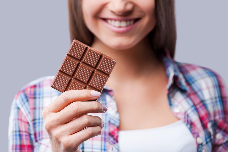 Ile możemy dziennie jeść czekolady, aby sobie nie zaszkodzić? Czy jest miejsce dla niej w diecie osoby odchudzającej się?