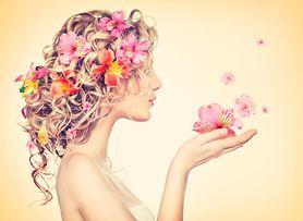 Naturalne sposoby na regenerację włosów po kąpielach słonecznych