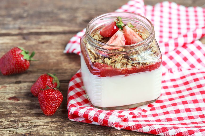 Jaka jest różnica pomiędzy jogurtem truskawkowym a jogurtem o smaku truskawkowym?