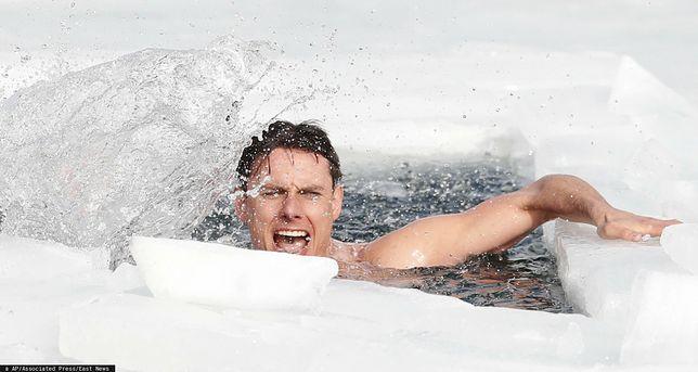 Czech przepłynął pod lodem dystans 80,9 m