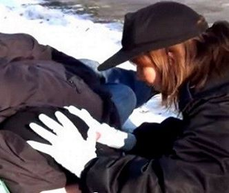 Policjanci uratowali życie bezdomnemu mężczyźnie