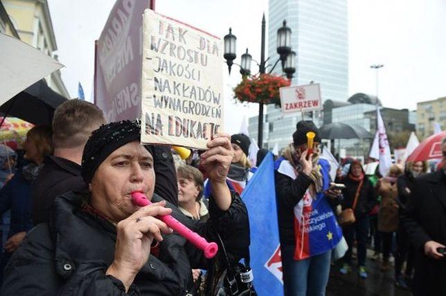 """Dziś pikieta pod Pałacem Prezydenckim. """"Nie dla chaosu w szkole"""""""