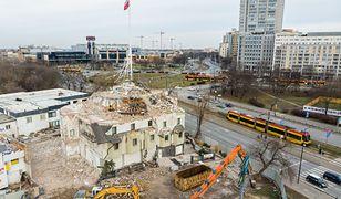Prace przy rozbiórce hotelu Czarny Kot. Stan na 16.02.2020 r.