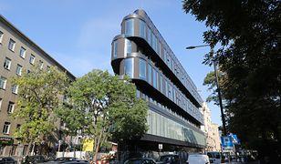 Hotel Nobu stanie w centrum Warszawy, przy ul. Wilczej 73