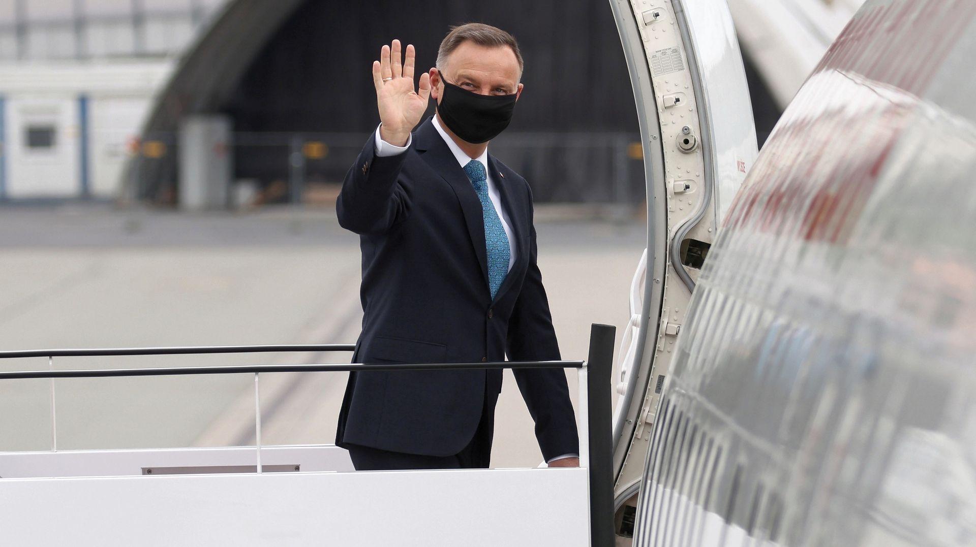"""Ujawniamy. Chaos w kabinie pilotów podczas lotu prezydenta Dudy. """"Taki trochę Smoleńsk"""""""