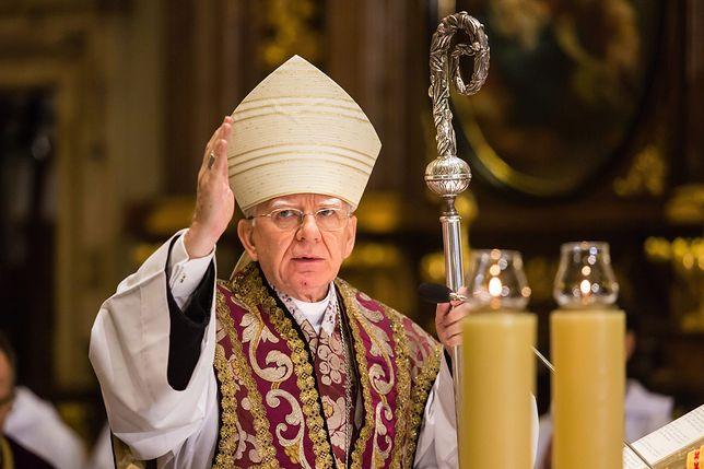 """""""Cynizm i szyderstwa z Kościoła"""". Mocne kazanie arcybiskupa o aborcji i Unii"""