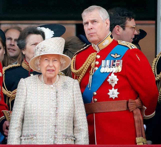 Książę Andrzej i Królowa Elżbieta II