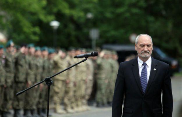 Wielka czystka w armii. Antoni Macierewicz tworzy własną gwardię