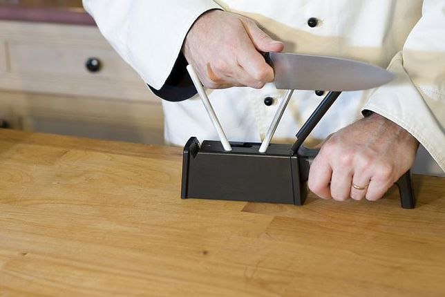 Ostrzenie noży nie jest trudne, wystarczy mieć odpowiednie narzędzia