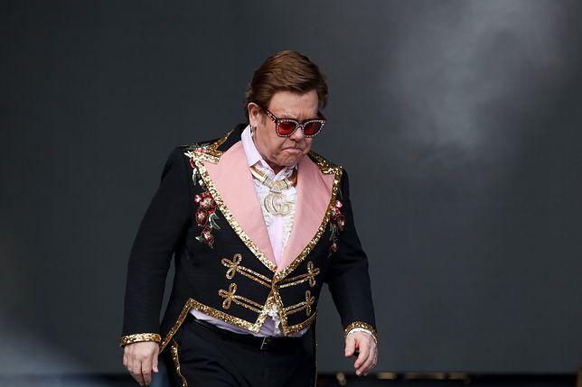Elton John schodził ze sceny załamany