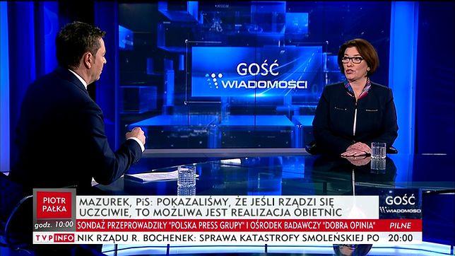 """Beata Mazurek z PiS jako """"Gość Wiadomości""""."""