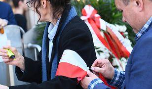 Obchody 8. rocznicy katastrofy smoleńskiej. Zobacz, co dzieje się na pl. Piłsudskiego