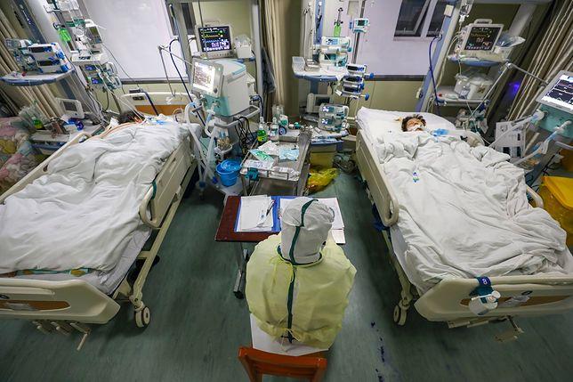 Chiny. Oddział intensywnej opieki medycznej, na którym przebywają zarażeni koronawirusem w szpitalu w Wuhan