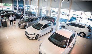 Statystyczny Kowalski w rok może uzbierać na nowy samochód. Ale kosztem sporych wyrzeczeń