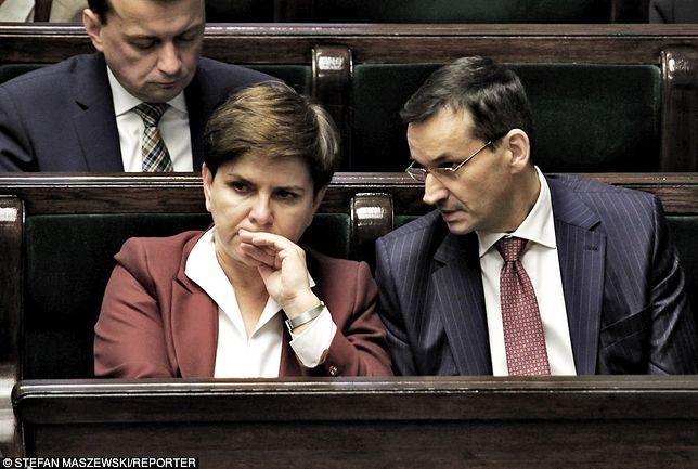 Morawiecki w miejsce Szydło? Wyborcy PiS są wściekli i ruszają z akcją #MuremZaSzydło