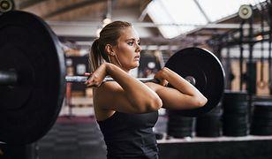 MCT w postaci suplementów diety może znacznie zwiększyć efektywność treningów oraz pomóc w pozbyciu się zbędnych kilogramów.