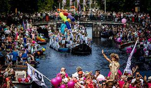 Unijna komisarz na paradzie gejów w Amsterdamie