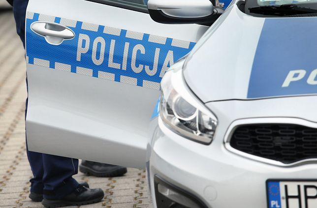 Warszawa. Policjanci chcieli zatrzymać do kontroli kierowcę, który zaczął uciekać