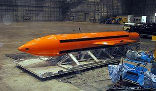 """GBU-43/B. """"Matka wszystkich bomb"""". To ją Amerykanie zrzucili w Afganistanie"""