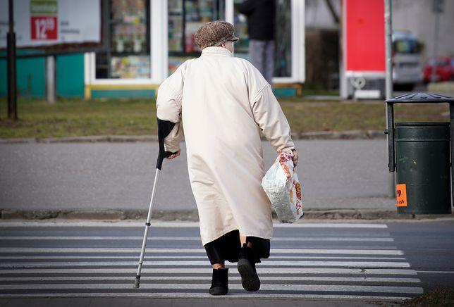 """""""Wsi spokojna, wsi wesoła"""". O emerytach, których nie stać na życie w mieście"""
