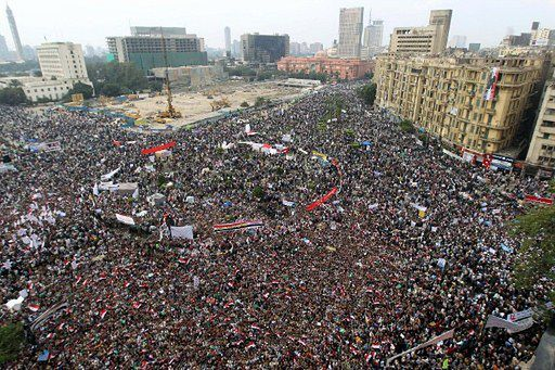 40 zabitych, 1700 rannych - zamieszki w Egipcie - zdjęcia