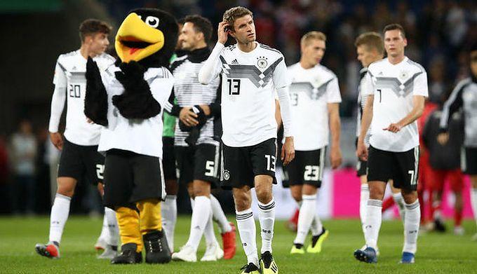 3d2927a81 Getty Images / Maja Hitij / Na zdjęciu: piłkarze reprezentacji Niemiec (na  pierwszym planie: Thomas Mueller)