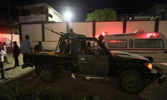 Bestialski atak na pizzerię. Terroryści zabijali głównie młodych
