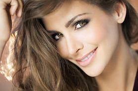Makijaż dla brązowych oczu i makijaż w odcieniach brązu