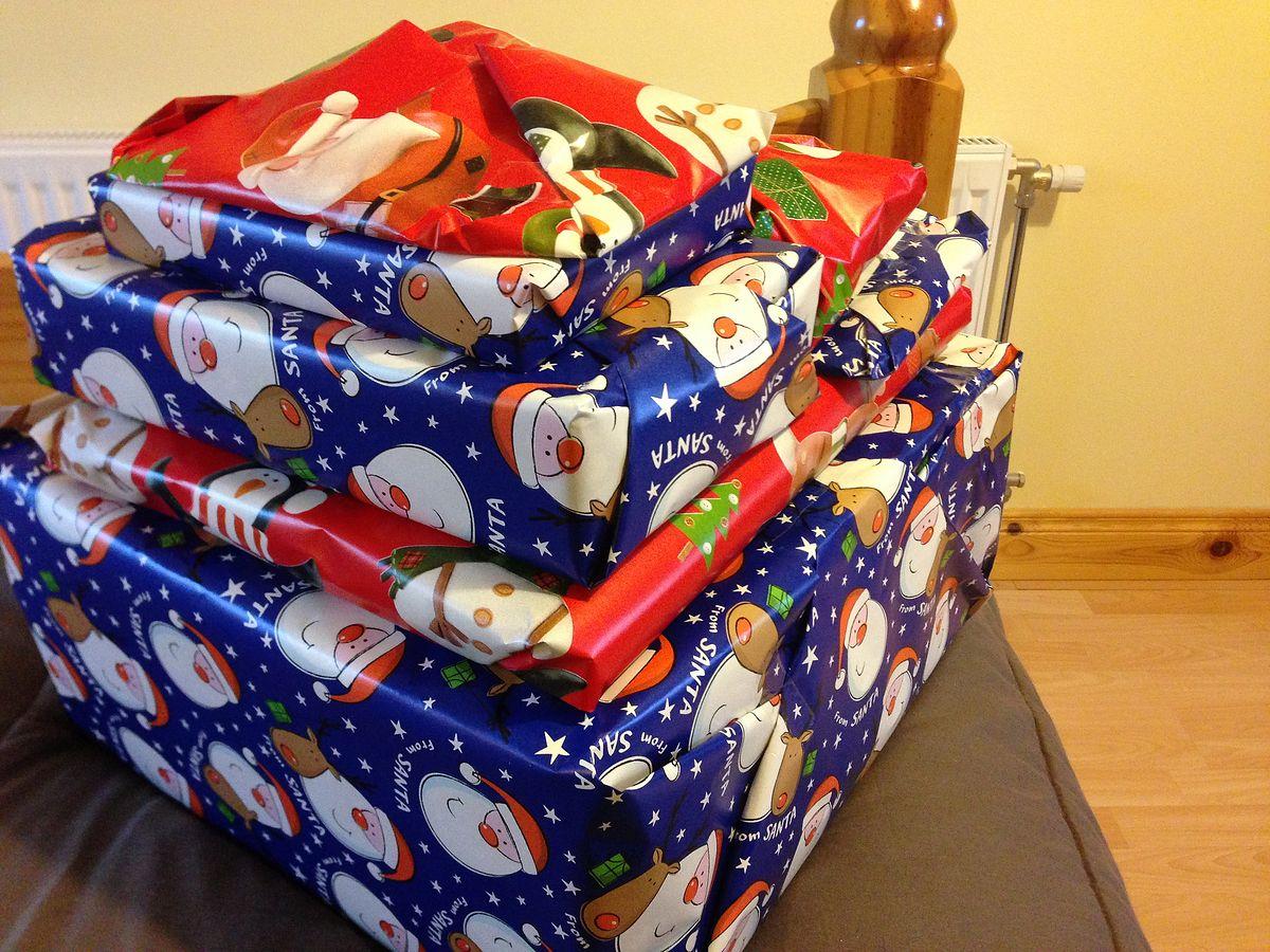 Zobacz, co zrobić z nietrafionym prezentem. Zawsze można przekazać go dalej, ale są też inne sposoby