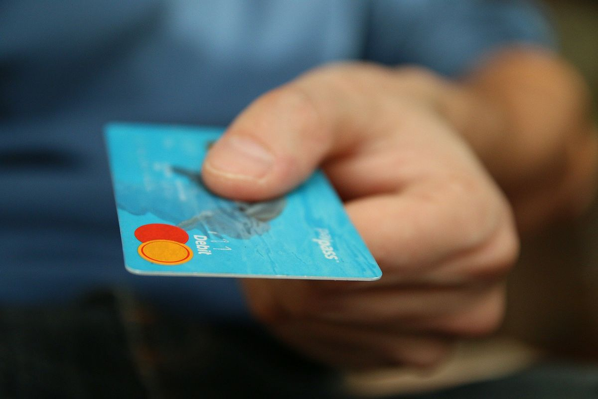 Jak działa karta kredytowa?