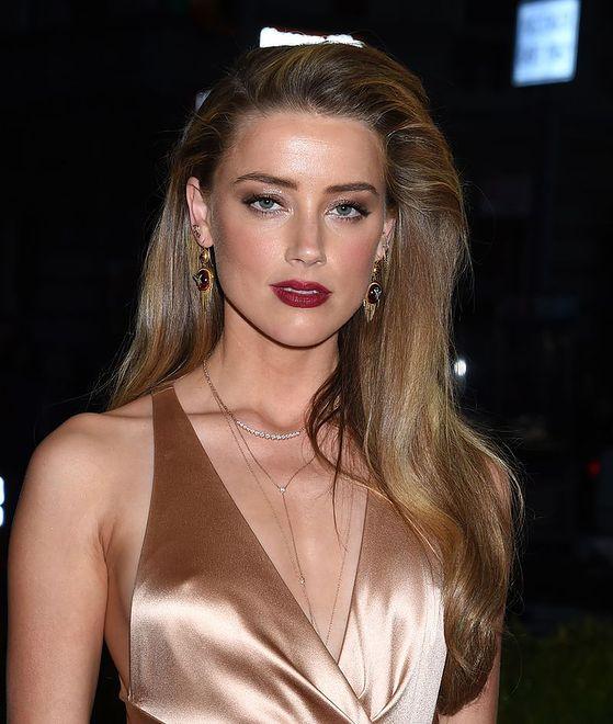 Ujawniono zarobki Amber Heard. Rzeczywiście potrzebuje alimentów?