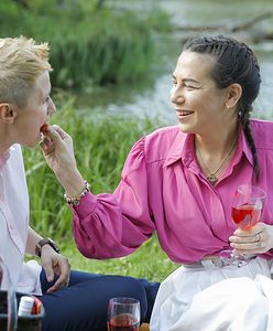 Krystyna Kamińska z żoną Agnieszką na pikniku w warszawskim parku