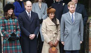 Rodzina królewska podczas uroczystości świątecznych w Sandringham.