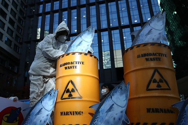 Zdjęcie z jednego z protestów przeciwko wypuszczeniu wody do Oceany Spokojnego, który odbył się w listopadzie 2020 roku.