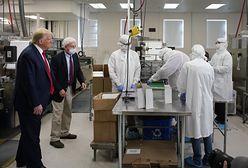 Trump odwiedził fabrykę wacików do wymazów. Było miło, a później wszystkie waciki poszły do kosza