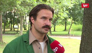 """Piotr Stramowski na planie filmu """"Mój dług"""". Powiedział, co dzieje się za kratami zakładu karnego"""