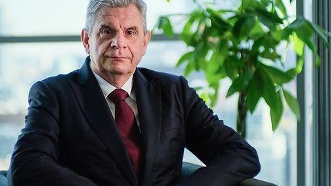 """Prezes UKE o 5G: """"warto z aukcją poczekać jeszcze kilka tygodni"""""""