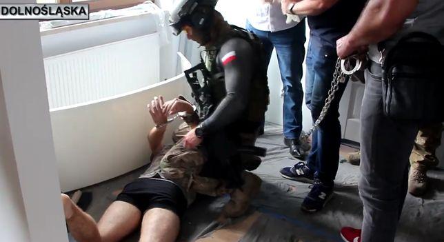 Dolnośląska policja opublikowała w sieci film z zatrzymania mężczyzny