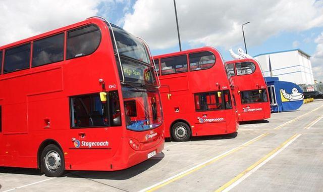 Inteligentne opony w londyńskich autobusach