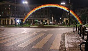 """Trzaskowski chce, by """"tęcza"""" wróciła do Warszawy. Patryk Jaki ma inne plany"""