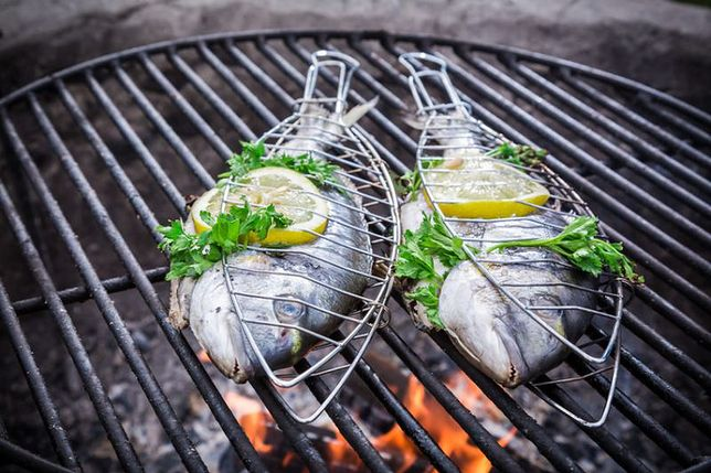 Ryby i owoce morza na grilla