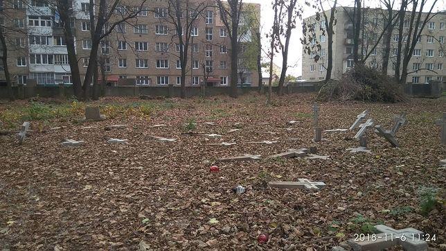 Zniszczonych zostało 95 polskich grobów