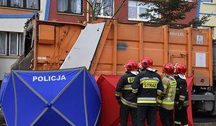Do śmiertelnego potrącenia przez śmieciarkę doszło w Lubinie przy ul Orlej.