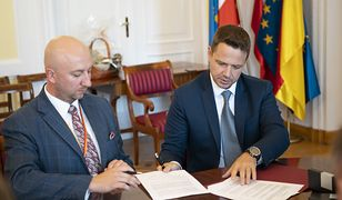 Warszawa przekazuje 2 mln złotych dla Podkarpacia. Rafał Trzaskowski podpisał porozumienie