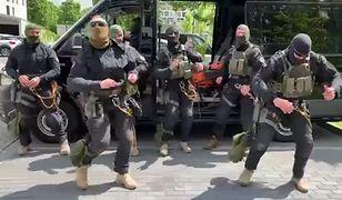 Pląsy kontrterrorystów na Dzień Dziecka. Wideo hitem sieci